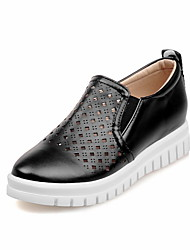 Women's Loafers & Slip-Ons Summer / Fall Wedges PU Office & Career / Casual Low Heel Polka Dot Black / White / Walking