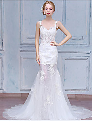 Fit & Flare Wedding Dress Court Train V-neck Lace / Tulle with Appliques