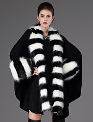 Women's Wrap Capes Long Sleeve Faux Fur Black / Grape Wedding / Party/ Casual Shawl Collar  Feathers / fur Open Front