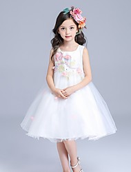 A-line Knee-length Flower Girl Dress - Cotton / Satin / Tulle Sleeveless Square with Appliques / Embroidery