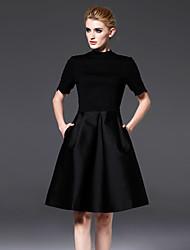 pescocinho das mulheres frmz formais preto simples dresssolid tripulação acima do joelho manga curta preta de algodão / nylon / spandex