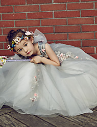 Ball Gown Floor-length Flower Girl Dress - Tulle / Stretch Satin Sleeveless Scoop with Beading / Embroidery / Flower(s)