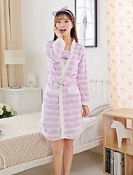 Bathrobe robe bathrobe home service men and women in autumn and winter pajamas thick coral cashmere flannel long sleeve cute