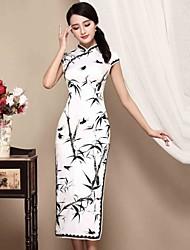 Mujer Vaina Vestido Casual/Diario Tejido Oriental,Floral Escote Chino Midi Manga Corta Blanco Seda Otoño Tiro Medio Microelástico Medio