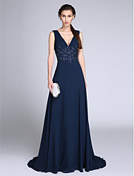 2017 TS Couture®Formal Evening Dress Sheath / Column V-neck Sweep / Brush Train Chiffon with Appliques / Sequins
