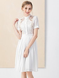 Damen Hülle Kleid-Lässig/Alltäglich Chinoiserie Stickerei Ständer Übers Knie Kurzarm Weiß / Schwarz Kunstseide / Polyester FrühlingHohe