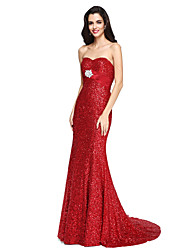 2017 TS Couture® Formal Evening Dress - Sparkle & Shine Trumpet / Mermaid Sweetheart Court Train Sequined with Crystal Brooch / Ruching