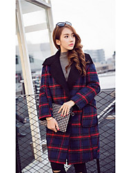 Sign new winter woolen coat Girls long section of loose big yards thick lamb's wool plaid coat 039 754