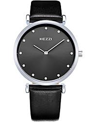 KEZZI Для пары Модные часы Наручные часы Кварцевый / Кожа Группа Cool Повседневная Черный Белый Коричневый