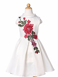 Girl's Wedding Party Pageant Birthday Dress Elegant Flower Embroidered Sleeveless A-Line Pleated Dress in White