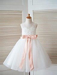 A-line Knee-length Flower Girl Dress - Lace / Tulle Sleeveless Scoop with Bow(s) / Sash / Ribbon