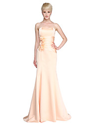 Lanting Bride® Floor-length Satin Bridesmaid Dress - Trumpet / Mermaid Strapless / Sweetheart Plus Size / Petite with Draping / Flower(s)