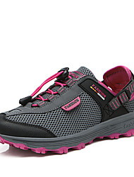 Spring and summer women 's outdoor hiking shoes couple models of walking shoes to help low - permeability non - slip outdoor shoe