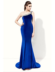 Formal Evening Dress - Elegant Trumpet / Mermaid One Shoulder Floor-length Velvet with Beading