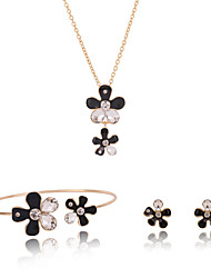 Women Gold Wedding Gifts Black and White Stitching Flowers Five Petals Rhinestone Pendant Necklace Set Clavicle Chain