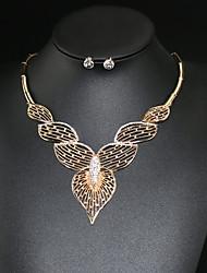 Conjunto de Jóias Colar / Brincos Amor Moda Europeu Personalizado imitação de diamante Formato de Coração Dourado Colares Brincos Para
