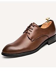 Masculino sapatos Couro Primavera Verão Outono Conforto Oxfords Caminhada Cadarço Para Festas & Noite Marron