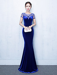 Formal Evening Dress Trumpet / Mermaid Jewel Floor-length Velvet with Beading