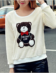 The new leisure wild cute plush bear loose type patch plush fleece sweater female T-shirt women