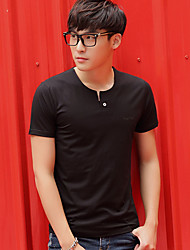 2017 Sommer neue Männer&# 39; s Normallack V-Ausschnitt kurz-sleeved T-Shirt dünnes Baumwollhemd Gezeiten-männlicher mitfühlender