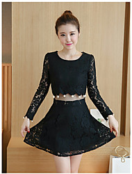 Sign 2017 spring new openwork crochet beaded fake two-piece Korean version of Slim lace dress +