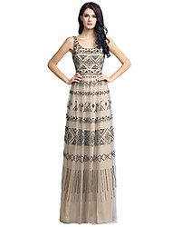 Sheath / Column Scalloped Floor Length Tulle Formal Evening Dress with Beading