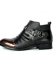Hombre Zapatillas de deporte Confort Primavera PU Casual Negro Negro y Oro Pantalla de color Plano
