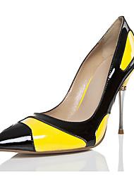 Желтый-Для женщин-Свадьба Для прогулок Для праздника Повседневный Для вечеринки / ужина-Лакированная кожа-На шпильке-Удобная обувь
