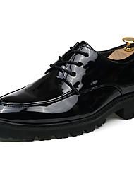 Для мужчин обувь Полиуретан Весна Осень Кеды Для прогулок Комбинация материалов Назначение Черный Черный/Красный Черный / синий