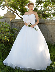 Ball Gown Strapless Sweep / Brush Train Organza Wedding Dress with Bow