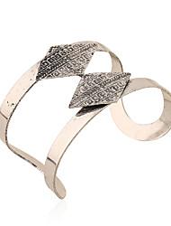 Femme Bracelets Rigides Manchettes Bracelets Mode Vintage Alliage de fer Alliage de métal Alliage Forme Géométrique Bijoux PourOccasion