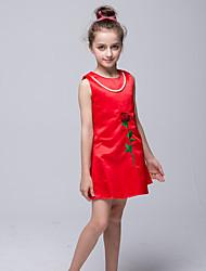Bainha / coluna curta / mini vestido de garota de flor - cetim com molho de cetim sem mangas com applique