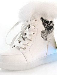 Damen Flache Schuhe Komfort Neuheit Leuchtende LED-Schuhe Herbst Winter PU Normal Glitter Schnürsenkel Flacher Absatz Weiß Schwarz Flach