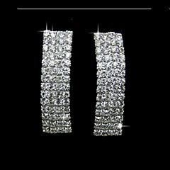 모조 다이아몬드는 여자의 귀걸이를 가진 유행 합금