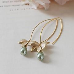 semplici orecchini di perle europei e americani delle donne