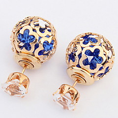 Women's Fine Fashion Hollow-out Flower Pattern Stud Earrings With Rhinestone