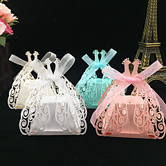 50pcs hollow peacock design wedding favor laser cut candy box gift box party supplies wedding favor and gifts wedding decoration