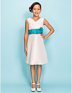 Knee-length Taffeta Junior Bridesmaid Dress A-line / Sheath / Column V-neck Natural with Flower(s) / Sash / Ribbon / Side Draping