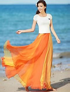 女性のマルチカラーフレアシフォンスカート