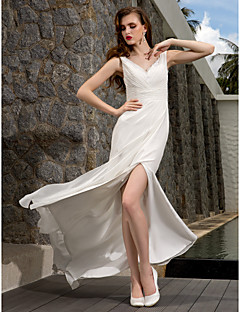 Lanting Bride® Sheath / Column Petite / Plus Sizes Wedding Dress - Classic & Timeless Simply Sublime Sweep / Brush Train V-neck Georgette