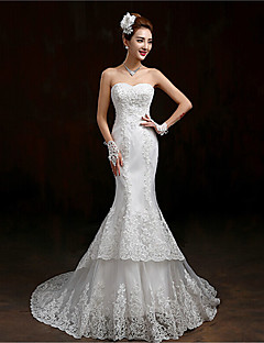 Trumpet / Mermaid Wedding Dress Floral Lace Sweep / Brush Train Sweetheart Lace Tulle with Appliques Sequin