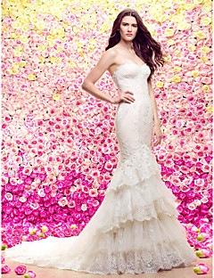 Lanting Bride® Trumpet / Mermaid Petite Wedding Dress Court Train Sweetheart Lace / Tulle with