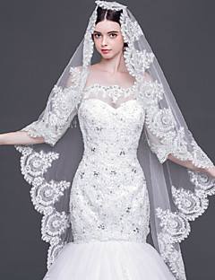 Gorgerous One-tier Chapel Wedding Veils with Lace Applique Edge/Scalloped Edge with Rhinestones
