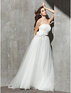A-line Petite / Plus Sizes Wedding Dress Sweep / Brush Train Strapless Tulle with