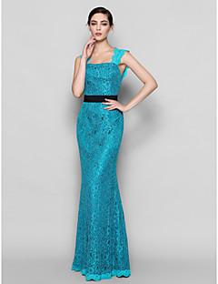 Lanting Bride Floor-length Lace Bridesmaid Dress Sheath / Column Square Plus Size / Petite with Lace