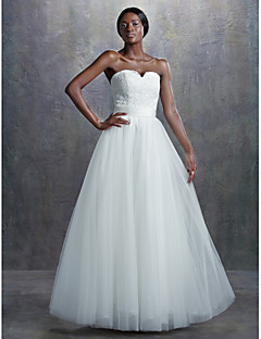 Lanting Bride A-line Wedding Dress Vintage Inspired Court Train Sweetheart Lace / Tulle with