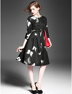 A-line Mother of the Bride Dress - Print Knee-length 3/4 Length Sleeve Polyester