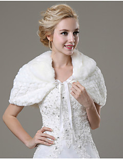 Wedding / Party/Evening / Casual Faux Fur Capelets Sleeveless Wedding  Wraps / Fur Wraps