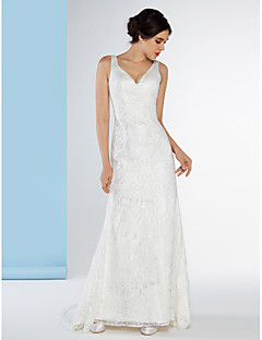 Lanting Bride® Trumpet / Mermaid Wedding Dress Sweep / Brush Train V-neck Lace with Lace