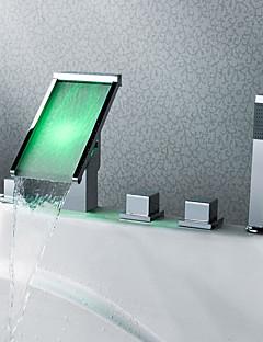 Kortárs Elterjedt LED / Vízesés / Kézi zuhanyzót tartalmaz with  Kerámiaszelep Három fogantyúk öt lyuk for  Króm , Kád csaptelep /